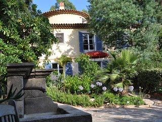 Le Rayol-Canadel, Côte-d`Azur/ 60 m2/ app. 4 pers./ plage 50m/ jardin exotique