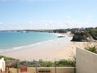Chy Lowen 4 bedroom clifftop beach house, Newquay