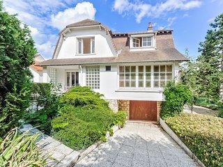 Villa avec vue sur la colline des impressionnistes