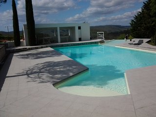 LOCATION D'EXCEPTION PETIT PARADIS ENTRE ROCAMADOUR SARLAT CAHORS PISCINE PRIVEE