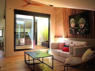 Luxury Lourmarin Penthouse apartment, terrace, air conditioning throughout