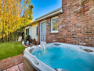 15% OFF APRIL DATES - Charming Cottage w/ Private Jacuzzi - Walk to Beach, La Jolla