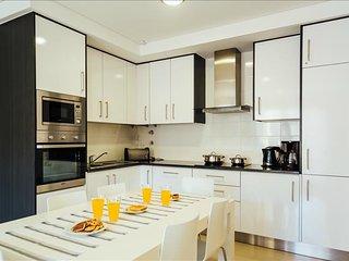 Apartamento | 2 quartos | Com Piscina, Ginasio e Jacuzzi | Sao Martinho do Porto