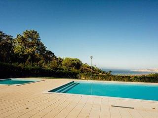 Moradia V3 | Piscina condominio | Vista para o oceano | Perto da Nazare