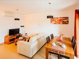 Apartamento T1 | Enorme Piscina Comum e vista para a Baía de Sao Martinho do