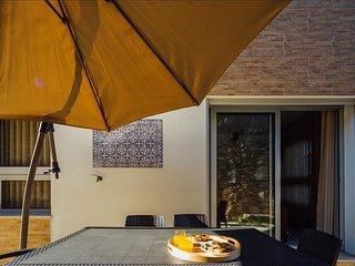 Apartamento de ferias para alugar | 2 quartos | Com Grande Piscina Comum e Terra