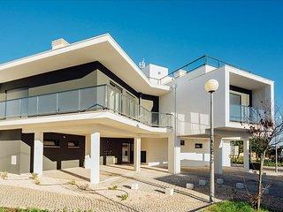 Apartamento T2 | Piscina e Parque Infantil | Zona Sul da baia de Sao Martinho do