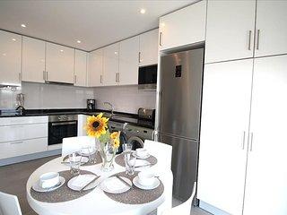 Apartamento de ferias para alugar | 2 quartos | Com Piscina Comum e Terraço | Sa