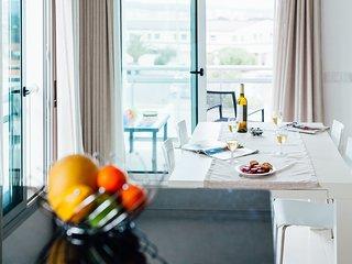 Apartamento de ferias para alugar | 2 Quartos | Com Piscina Comum e Terraco | Sa