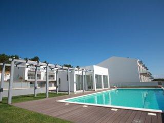 Villa T3 | Com Piscina e garagem | Zona Sul da Baía de Sao Martinho do Porto