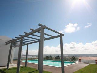 Casa de ferias para alugar | 3 Quartos | Piscina Comum e Terraco | Salir do Port