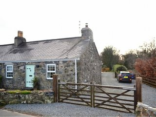 Beautiful Cottage WITH GAMES ROOM near Seaside Morfa Nefyn and close to Beaches