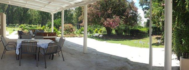 Entspannen und die große geräumige PATIO UNWIND Ihr schönes privaten Garten