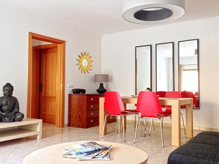 Comfy Apt Old Town 500m from Beach *****, Albufeira