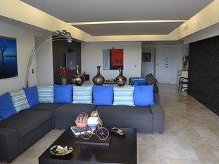 "Amazing ""Blue CX"" Cancún Condo"