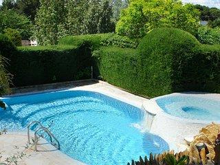 Valencian Villa Near To Beach,City & Airport. Waterfall Pool & Jacuzzi