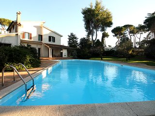 Roman Luxury Villa with Pool, Rome