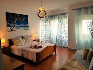 CENTRAL APT 1 MIN TO BEACH Free Park, Costa da Caparica