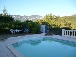 Quillan Villa with pool and stunning views, within walking distance of town