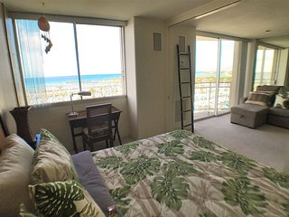 SPECTACULAR VIEWS WAIKIKI Full 1 Bedroom Private APARTMENT
