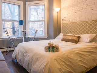 Renovated Studio Beacon Hill, Boston