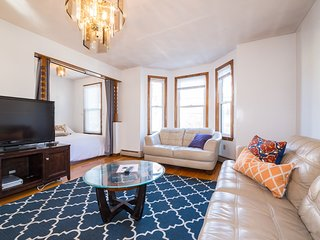 Duplex in Union Square! Group Stays!