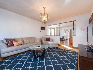 6 bed unit in Somerville