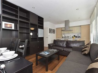 BEST FURNISHED 2BR APARTMENT IN TIMES SQ