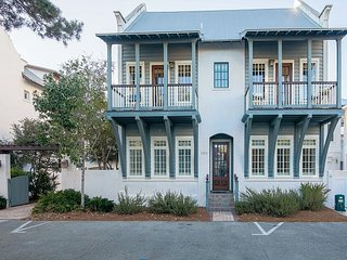 Southern Serenity Cottage in Rosemary Beach with Heated Pool!