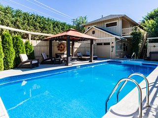 A private pool & hot tub await at this dog-friendly Cabana-style home!