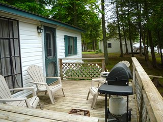 Fee's Landing Resort, Cottage E - 3BDRM waterfront
