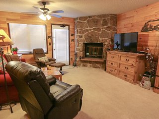 Cozy Mountain Suite Retreat (mid-week special $79)