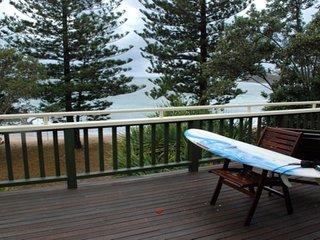 39 Wilson Ave Dicky Beach QLD