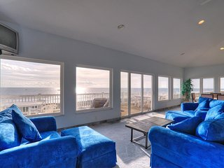 The Villa Loft..oceanfront 2 bedroom/2 bath house, Carolina Beach