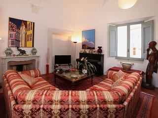 Magnific apartment near Pantheon