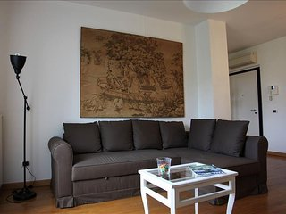Cimarosa C apartment in Navigli with WiFi, air conditioning & lift.