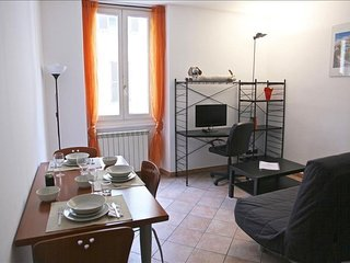 Ripa apartment in Navigli with WiFi & lift.