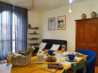 Cima J apartment in Navigli with WiFi, air conditioning, balcony & lift.
