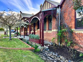 Rent your own Hotel - The Eaglehawk Country House Hotel - Maldon