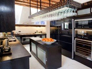 6 bedroom Villa in Sant Joan De Labritja, Ibiza : ref 2226534