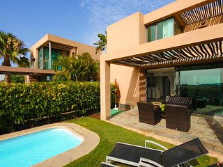 Villa with private pool Salobre Villas I