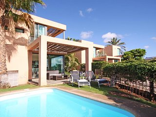 Villa with private pool Salobre Villas III