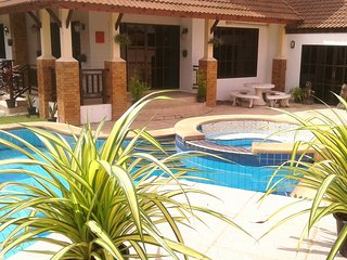 FOUR BEDROOM HOUSE *PRIVATE POOL* SECURED FAMILY VILLAGE LOCATION *FREE WI-FI*, Pattaya