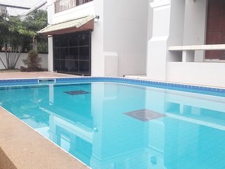 FOUR BEDROOM DETACHED HOUSE *PRIVATE POOL* SECURED FAMILY VILLAGE *Free wifi*
