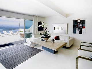 Bright apartment wonderful sea view