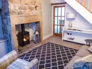 88 REGENT STREET, stone-built cottage, woodburner, pet-friendly, in Waddington