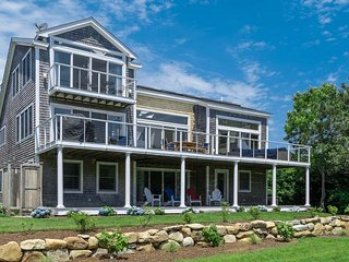 HAMSD - Katama Contemporary,  Chic Interior Detailing,  Perfect Location, Edgartown