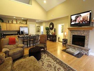 Tuscany Hills-3 bedroom/2 bath villa located at Branson Creek!, Hollister