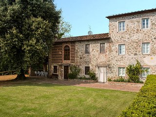 3 bedroom Apartment in Capannori, Tuscany Nw, Tuscany, Italy : ref 2385735