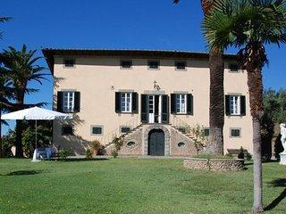6 bedroom Apartment in Capannori, Tuscany Nw, Tuscany, Italy : ref 2385742